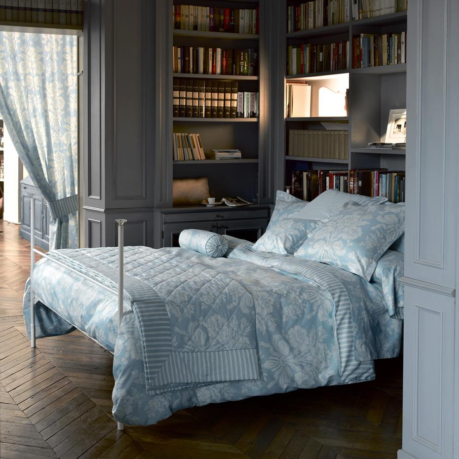 good night sleep tight laura ashley herbst winter 2010. Black Bedroom Furniture Sets. Home Design Ideas