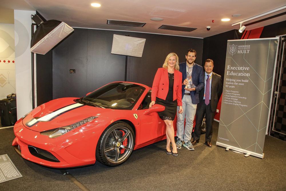 Digital Transformer 2018 Balazs Honti mit den Jurymitgliedern Tanja Levine, Vice President Ashridge
