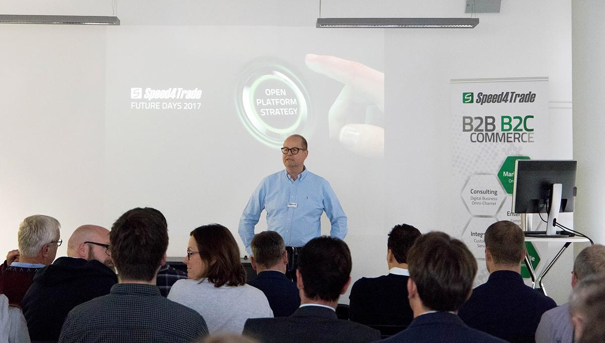 Torsten Bukau, Head of Partner Management bei Speed4Trade, bei seinem Eröffnungsvortrag für die FUTURE DAYS.
